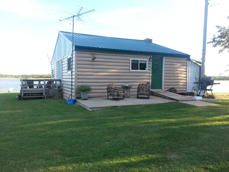 Windy Point Log Cabin - COZY LAKEFRONT CABIN - Shawnee - rentals