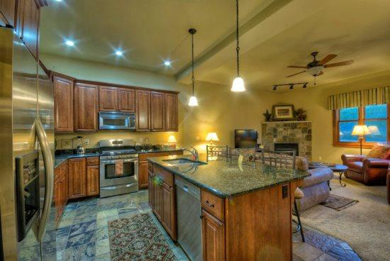 Fully Updated kitchen Granite Counter tops, Stainless Steel Appliances, Island - Moraine 1588 - Steamboat Springs - rentals