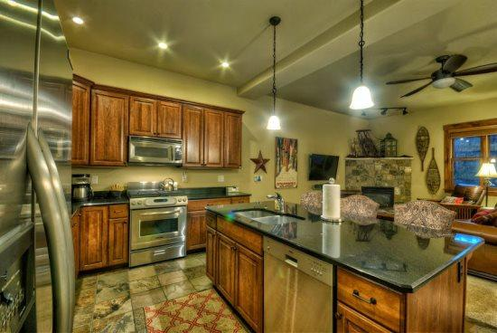 Fully Updated kitchen Granite Counter tops, Stainless Steel Appliances, Island - Moraine 1580 - Steamboat Springs - rentals