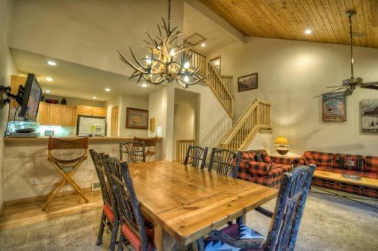 Main Living/Dining Area, Gas Fireplace, Vaulted Ceilings, Flat Screen TV Dining for 8 - Dromore Chalet - Steamboat Springs - rentals