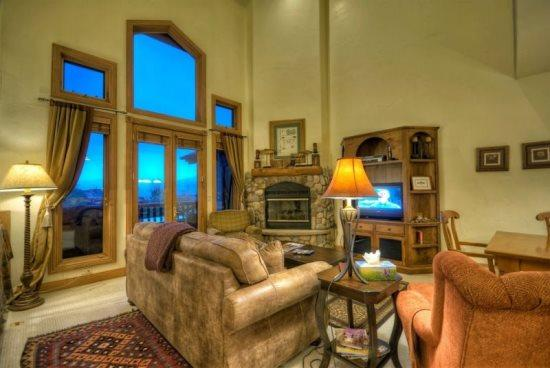 Large living Area, Dining Area and Kitchen, Dramatic Vaulted Ceilings, Deck With Views, Gas Fireplace, Flat Screen TV - Crosstimbers - Steamboat Springs - rentals