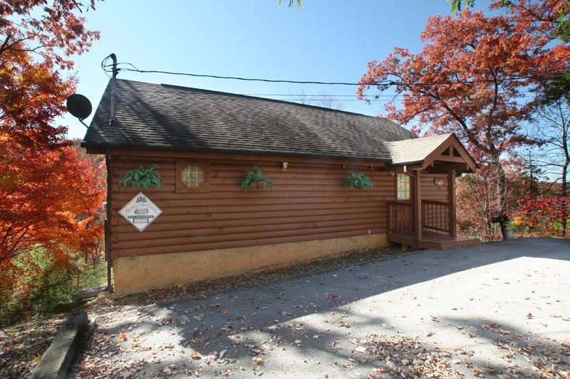 SNUGGLED IN - Image 1 - Sevierville - rentals