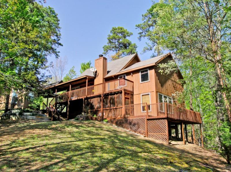 THE TREEHOUSE LODGE - Image 1 - Sevierville - rentals