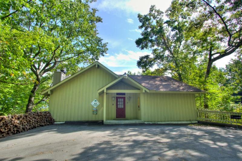 WALDRON CHERRY TREE - Image 1 - Gatlinburg - rentals