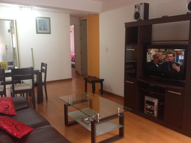 Miraflores furnished  king size bed  WI-FI central - Image 1 - Lima - rentals