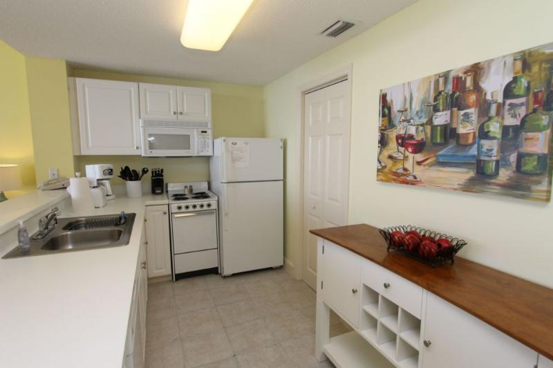 Fully Equipped Kitchen - Majestic Beach Resort T1 Unit 808 - Panama City Beach - rentals