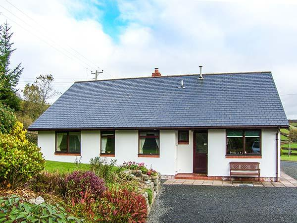 DRAINBYRION FARM HOUSE, all ground floor, stunning scenery, near Llanidloes - Image 1 - Llanidloes - rentals