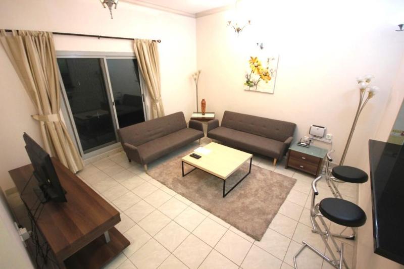 142 Close to the beach rental in Dubai Marina - Image 1 - Dubai - rentals