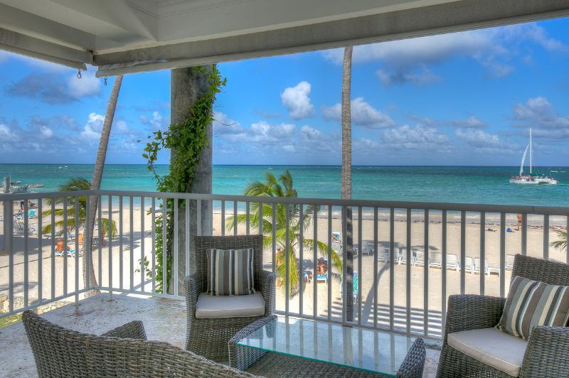 Exclusive Beachfront 3 Bedroom Apartment T-H202 - Image 1 - Bavaro - rentals