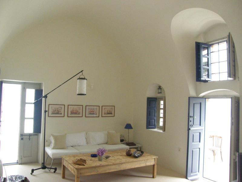 main hall the sitting corner - Sunsethouse Egeans watchtower - Santorini - rentals