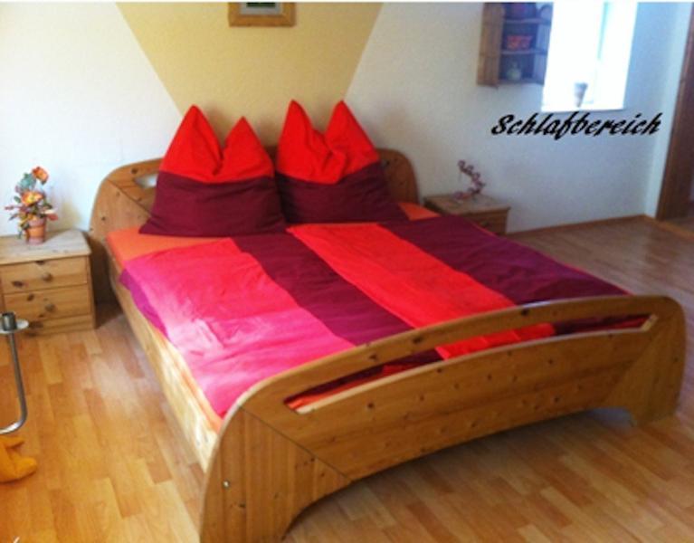 Master Bedroom (1) - Vacation Apartment in Dietenhofen - 431 sqft, quiet, bright, modern (# 4283) - Dietenhofen - rentals