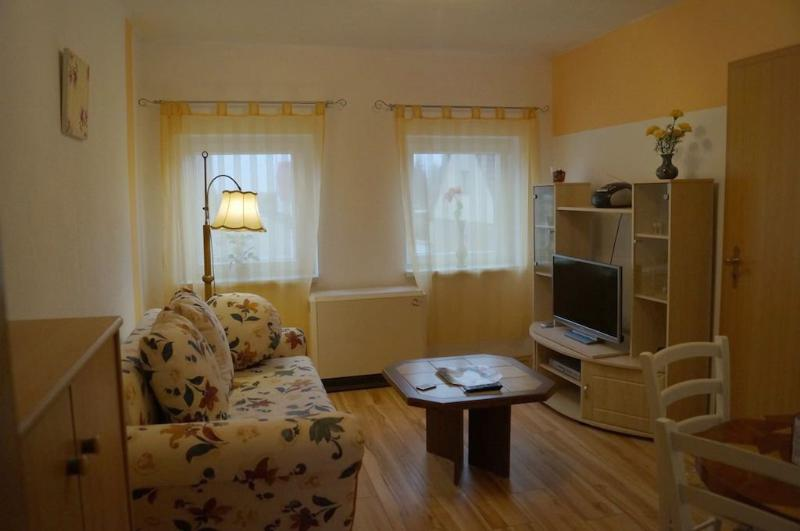 Vacation Apartment in Ribnitz-Damgarten - 538 sqft, quiet, comfortable, friendly (# 5447) #5447 - Vacation Apartment in Ribnitz-Damgarten - 538 sqft, quiet, comfortable, friendly (# 5447) - Ribnitz-Damgarten - rentals