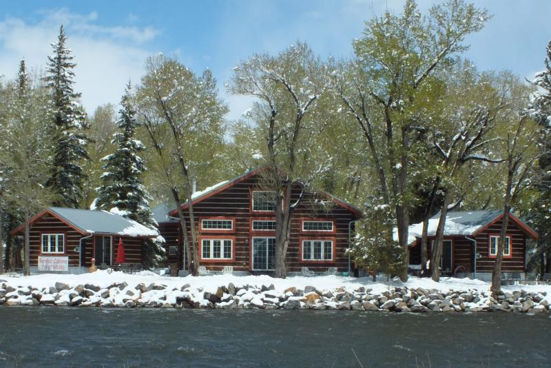 Spring Snow at Riverside Meadows - Free Snowshoeing at Riverside Meadows, Master Cabin on the Rio Grande - South Fork - rentals