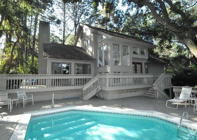 Exterior - 9 Bald Eagle West-3 Bedroom, 3.5 Bath Beach Home, 5 minute walk to the beach - Hilton Head - rentals