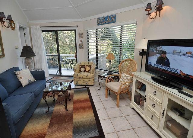 Main Living Area - 19 Night Heron - Cute, 1 Bedroom Cottage - 5 minutes walk to the beach - Hilton Head - rentals