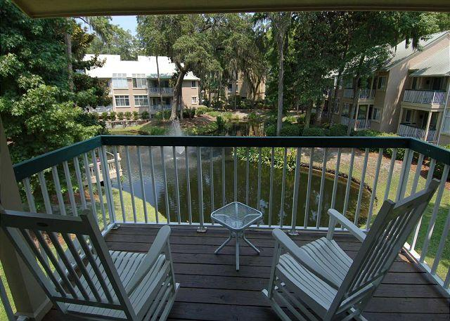 Patio area - 709 Barrington Park- Serene Lagoon/Fountain View and 50 yards to the ocean - Hilton Head - rentals
