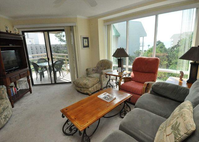 Main Living Area - 2519 Villamare - 5th Floor upgraded 2 bedroom villa - Sleeps 8. - Hilton Head - rentals