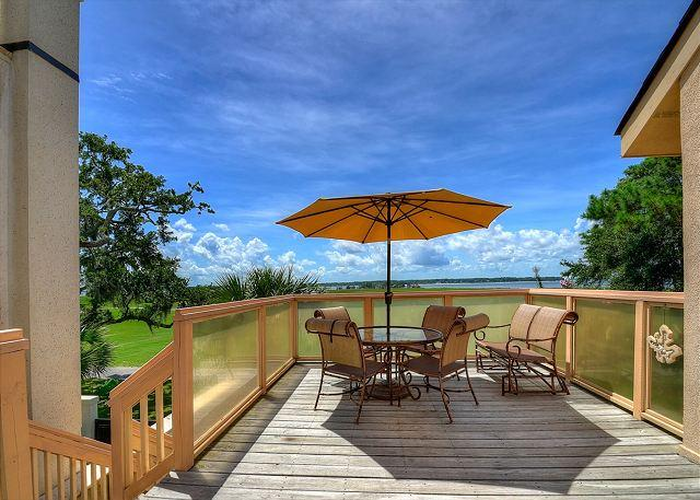 View - 17 Mizzenmast Court-Steps to all the Harbourtown has to offer Dining/Shopping - Hilton Head - rentals