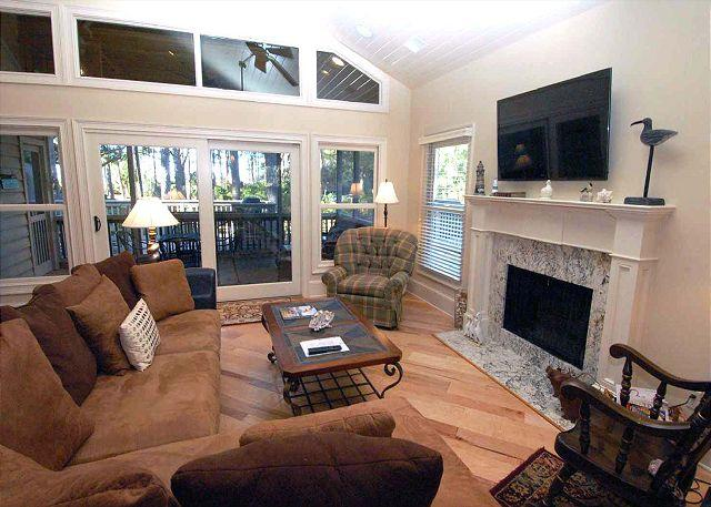 Living Area w/ flat panel TV - # 3 Beachside Homes - 5 Bedroom Home, 50 yards to the beach and more! - Hilton Head - rentals