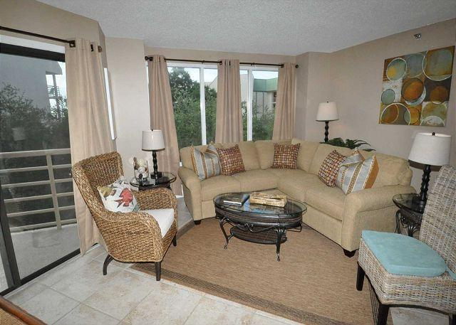 Living Area - 2419 Villamare - BEAUTIFUL 4th floor Villa - Indoor Heated Pool and More!!! - Hilton Head - rentals