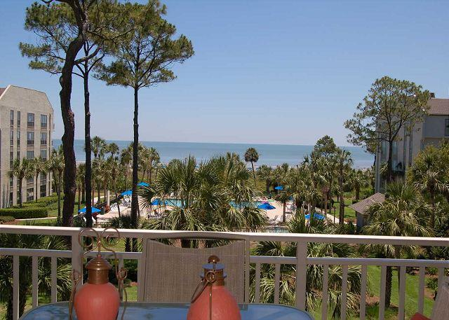 View to ocean - 335 Shorewood- Zero Entry Pool & Kiddy Pool.  Oceanfront Views. - Hilton Head - rentals
