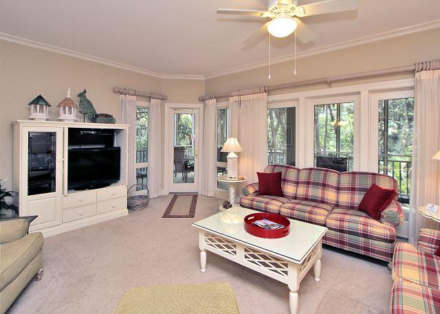 Main Living Area - 8109 Wendover Dunes-100 yards to the beach, Pool & Spa on-site - Hilton Head - rentals