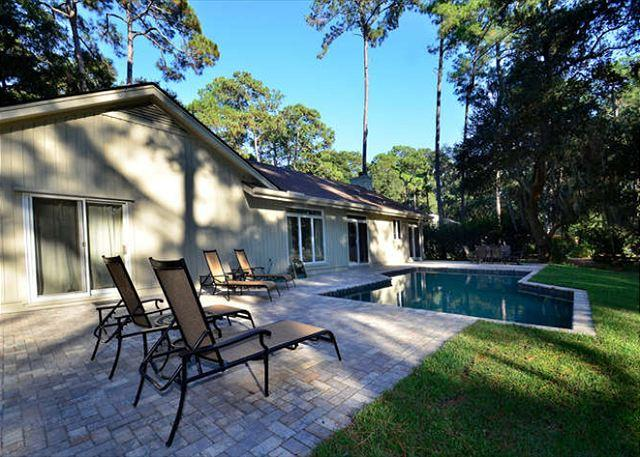Pool Area - 71 Gloucester-Beautiful fully renovated home with Beautiful Pool & Golf Views - Hilton Head - rentals