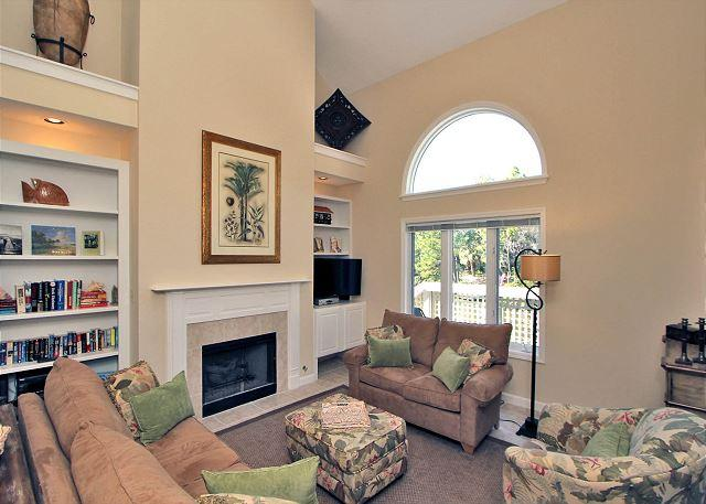 7634 Huntington-3 Bedroom w/ pretty canal views, 2016 Dates Available - Image 1 - Hilton Head - rentals