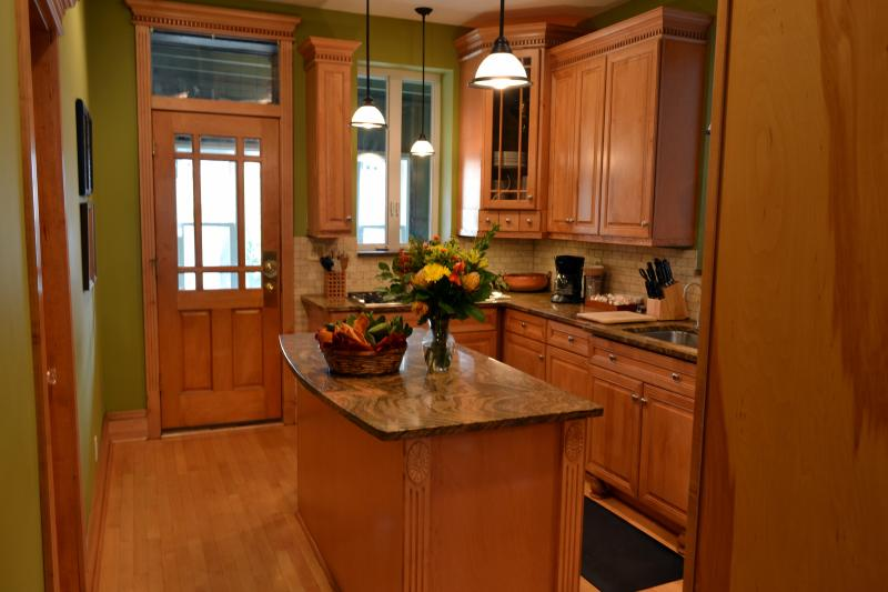 Fully Equipped Kitchen with EVERYTHING You Need and MORE! - Teri's Chicago Guest House * Wrigley Suite - Chicago - rentals