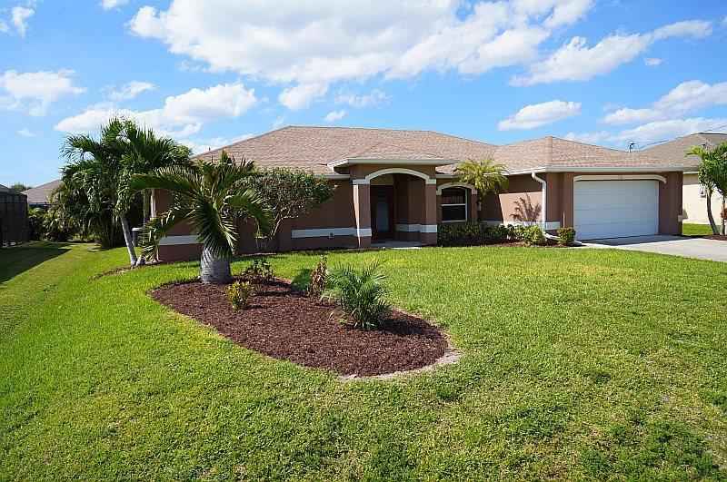 Parker Villa - Cape Coral 3b/2ba Offwater Home, Electric Heated Pool, WHS Internet, - Image 1 - Cape Coral - rentals