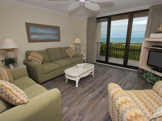 Living area 2 - Island Club, 5303 - Hilton Head - rentals