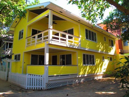 Tortuga Beach House, 20 paces from the Turquoise waters of West Bay Beach - Tortuga Beach House - West Bay - rentals