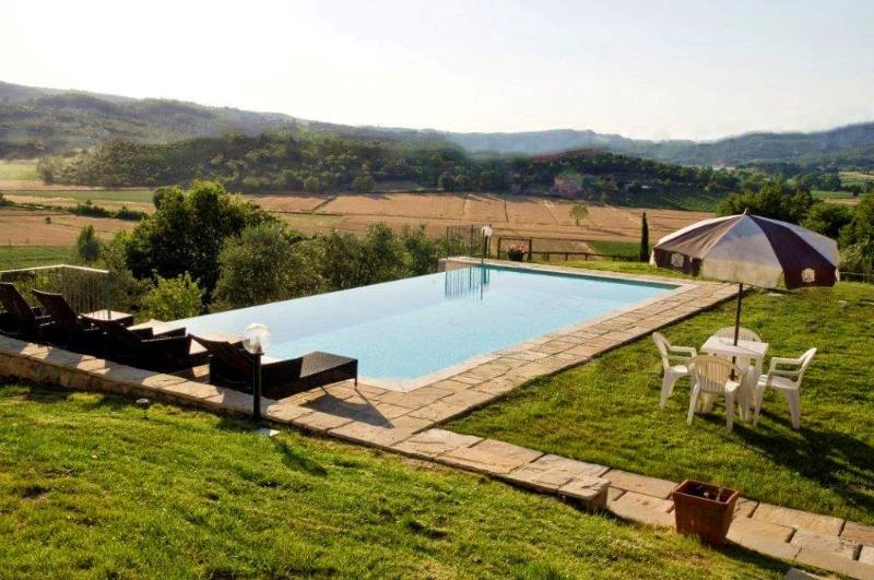 5 bedroom Villa in Monte San Savino, Siena and surroundings, Tuscany, Italy - Image 1 - Torricella di Monte San Savino - rentals