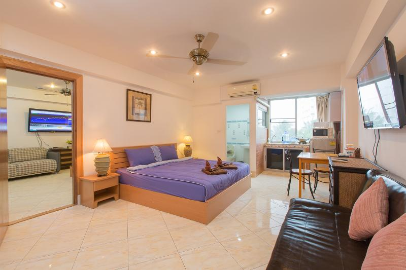2 connecting studio - (G5000) Family Connecting Studio with City View (8 - Patong - rentals
