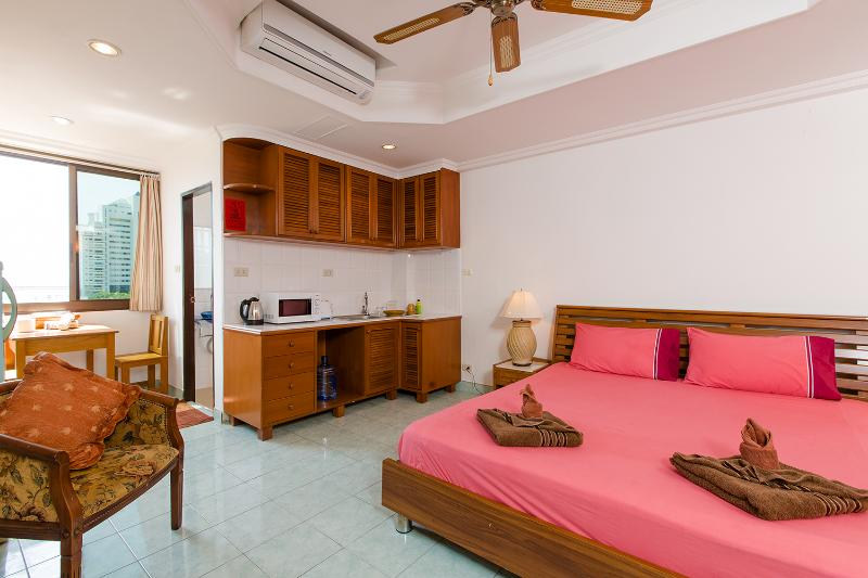 sudio for 2 sea view - (E8228) Studio Sea View with Sofa Bed and Kitchen (2 Adults) - Patong - rentals