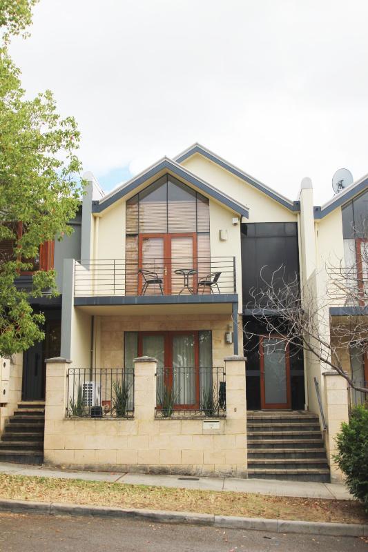 Exterior - Constitution Lodge - East Perth - Perth - rentals