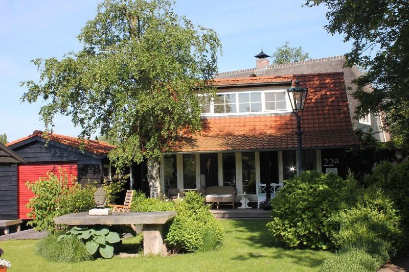 Comfortable cottage on private lake(Lake District) - Image 1 - Kortenhoef - rentals