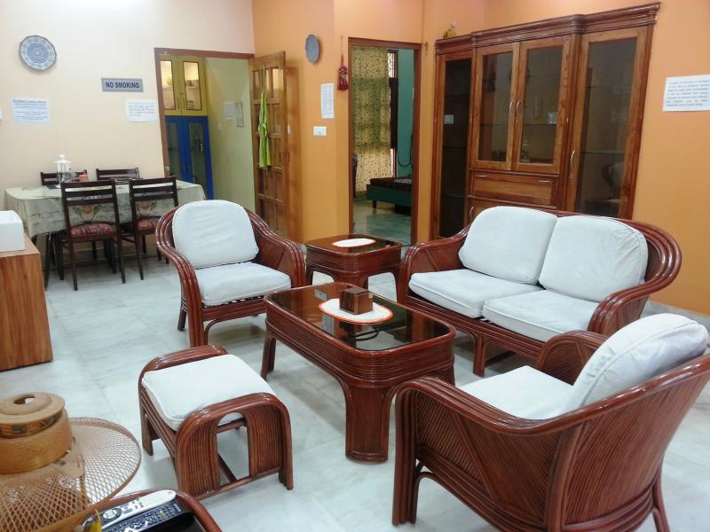 "Lobby - Executive Suite ""2BHK Serviced Apartment"" for 4 guests in Lucknow India - Lucknow - rentals"