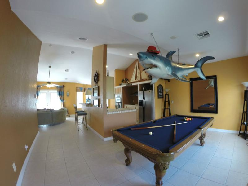 Pool Shark is waiting for you - Haven Del Mar (Water Front Home Extraordinaire) - Freeport - rentals