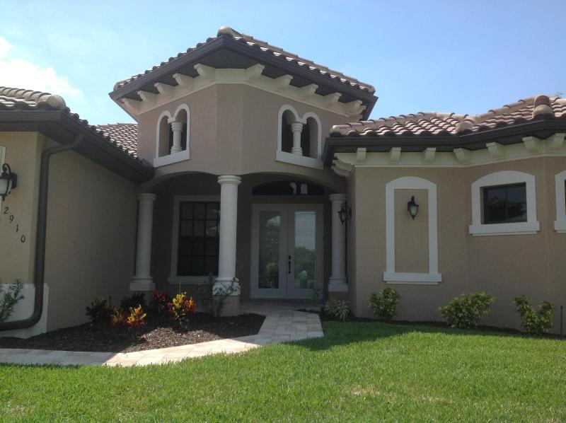 Front - Villa Endless Summer - great new home on wide canal - Cape Coral - rentals