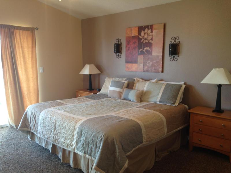 Master Suite w/ Private Bath - Large Affordable Luxury Condo w/ Resort Amenities - Saint George - rentals