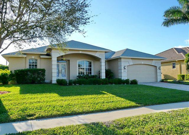 Cozy family retreat w/ heated pool & short walk to Mackle Park - Image 1 - Marco Island - rentals