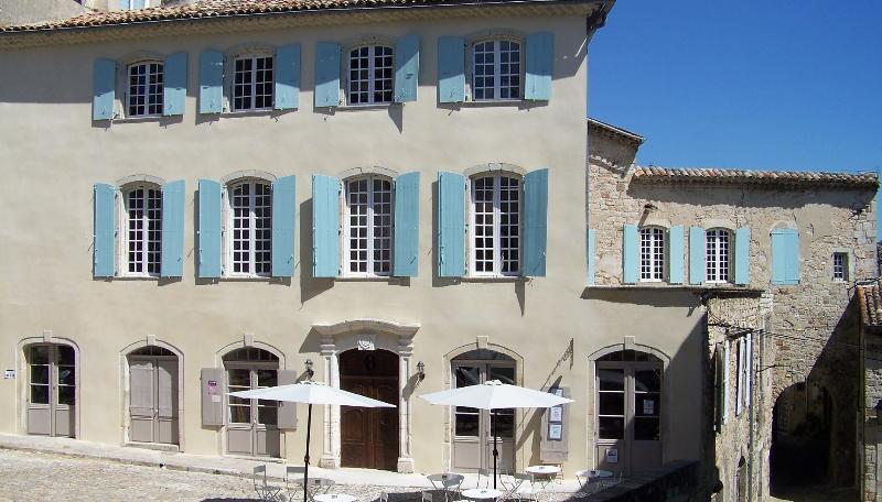 Main view of the mansion - La Grande Mademoiselle - Joyeuse - rentals