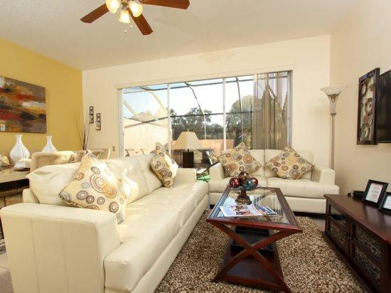 Gorgeous 3 Bedroom 3 Bathroom Town Home with a Jacuzzi. 2372SPR - Image 1 - Orlando - rentals