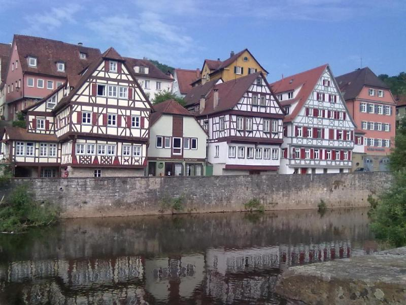 Vacation Apartment in Schwäbisch Hall - 538 sqft, quiet, central, relaxing (# 4669) #4669 - Vacation Apartment in Schwäbisch Hall - 538 sqft, quiet, central, relaxing (# 4669) - Schwäbisch Hall - rentals