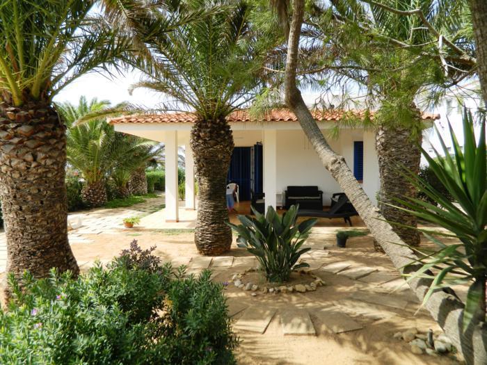 Lato est e veranda coperta - VILLA SARA, mare cristallino, scogliere, spiagge - Santa Croce Camerina - rentals