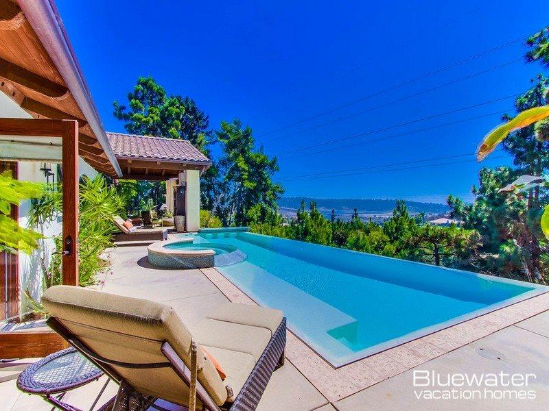 San Diego Vacation Rental - Infinity Pool - Casa Pacifica - Del Mar / Solana Beach view home with a pool! - Solana Beach - rentals
