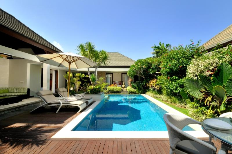 pool deck - Luxury Beachfront Complex : KEJORA VILLA 7: Cool Bali Villas - Sanur - rentals