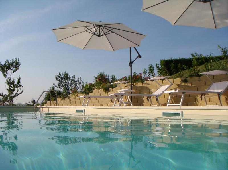 Relax by our lovely pool at Villa Miramonti - Luxury rental with pool & stunning mountain views - Servigliano - rentals