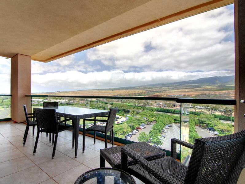 Expansive mountain views from your lanai, enjoy the sunrise with your coffee! - Maui Resort Realty Presents 1022 Hokulani @ Honua Kai - Lahaina - rentals
